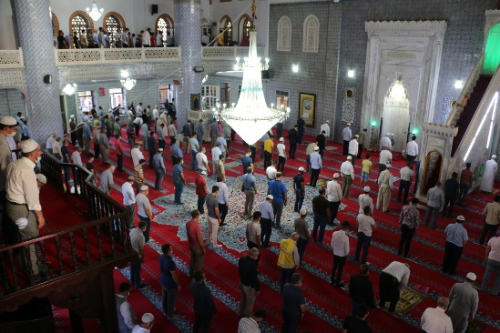 Molla Sabri Yazar, Dergâh Camii bahçesinde toprağa verildi.