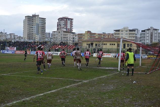 Siverek Belediyespor Ceylanpınar deplasmanından 3 puanla döndü