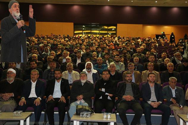 """""""Kur'an, cami ve tesettür için hicret eden Müslümanlar var"""""""