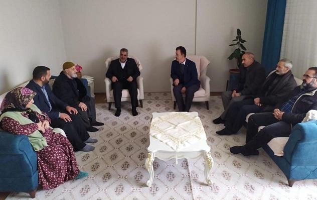 HUDA PAR İl Başkanı Erat, Hasan Adsoy'un ailesini ziyaret etti