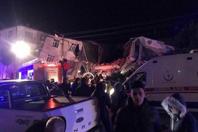 Depremde hayatını kaybedenlerin sayısı 5'e yükseldi