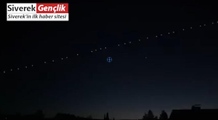 Gökyüzünde sıralı ışıklar görenleri şaşırttı