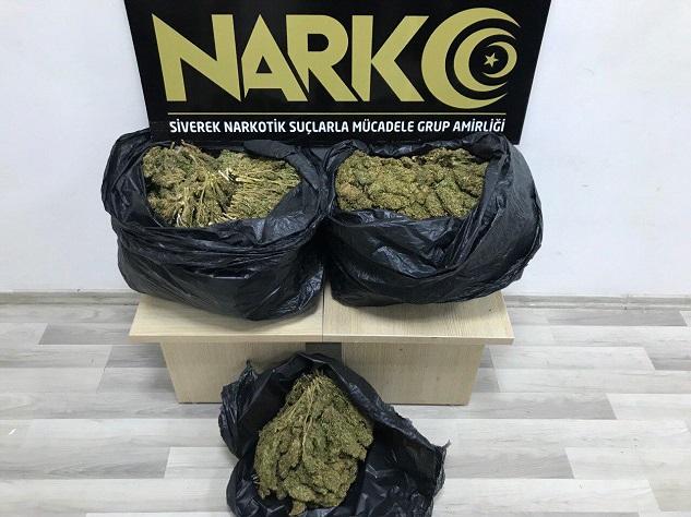 Şanlıurfa'da 30 kilogram esrar ele geçirildi