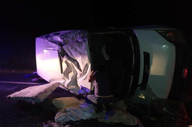 Siverek'te minibüs devrildi: 6'sı çocuk, 7 yaralı