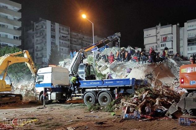 İzmir depreminde hayatını kaybedenlerin sayısı 39 oldu