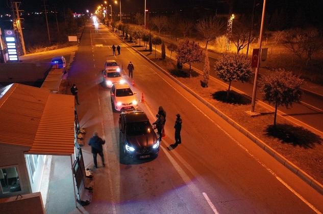 Kısıtlamaları ihlal eden 464 kişiye idari para cezası kesildi