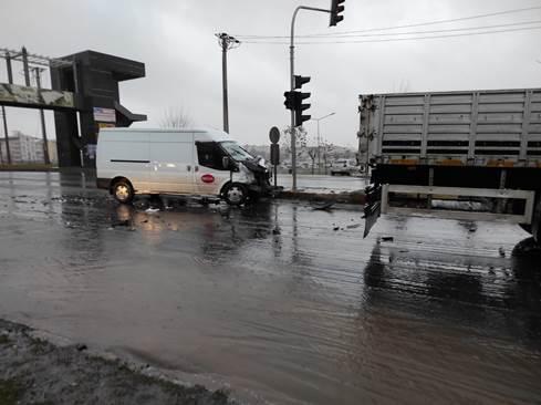 Siverek'te maddi hasarlı trafik kazası
