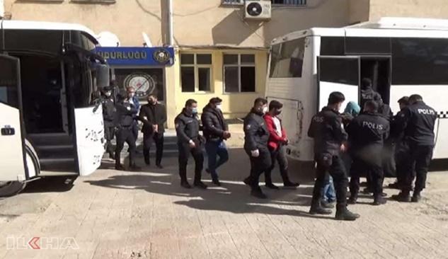 Şanlıurfa merkezli PKK operasyonunda 17 şüpheliden 13'ü tutuklandı