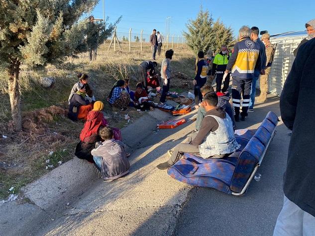 Tarım işçileri yine kaza yaptı:12 yaralı