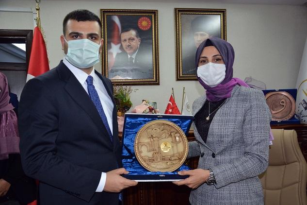 İnan'dan Belediye Başkanı Çakmak'a ziyaret