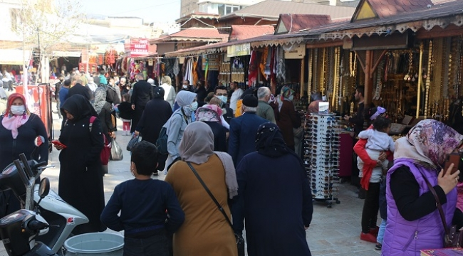 Çarşıda yaklaşan Ramazan ayı yoğunluğu