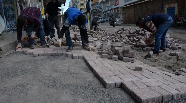 Siverek'te yeni kaldırım yapım çalışmalarına hız verildi