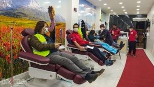 Düzenli kan bağışında bulunmak kalp krizi riskini azaltıyor