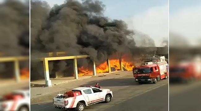 Şanlıurfa ŞUTİM'deki yangında iş yerleri ve araçlar zarar gördü