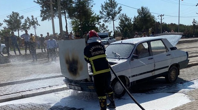 Seyir halindeki toros marka otomobil yandı