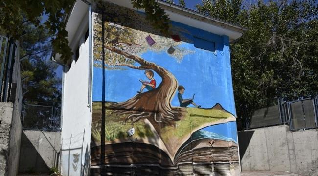Siverek'te trafo binaları resimlerle güzelleştiriliyor